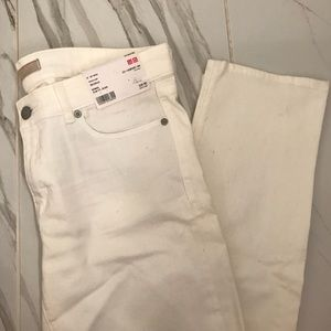 🏷 NWT. Brand New Slim Fit Jeans I'm Off-White.